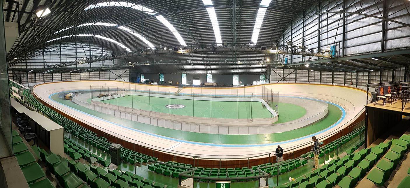 Wide angle interior photo of the Speeddome